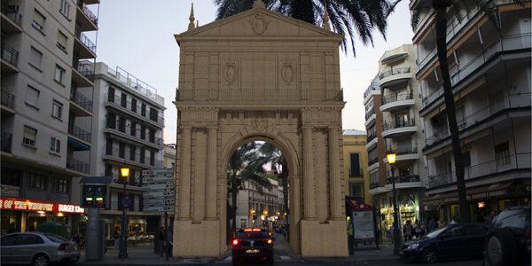 Imágenes de un patrimonio desaparecido: La puerta de Triana en Sevilla